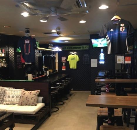 スポーツバー Crib Bar