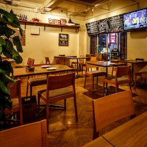 肉バル Bar&Grill motto 池袋東口 海外ビール×ワイン×肉